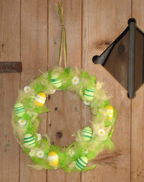 bricolage de pâques quatre poussins de couleurs en pompon pictures to